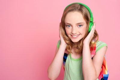 Easy-going girl with headphones